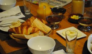 Petit déjeuner copieux au Mas Marican
